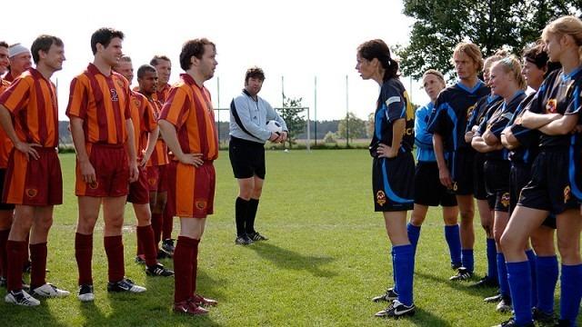 Göttinnen spielen Politik, Göttinnen spielen Fußball